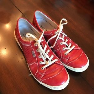 Cute and comfy red tennis shoe!